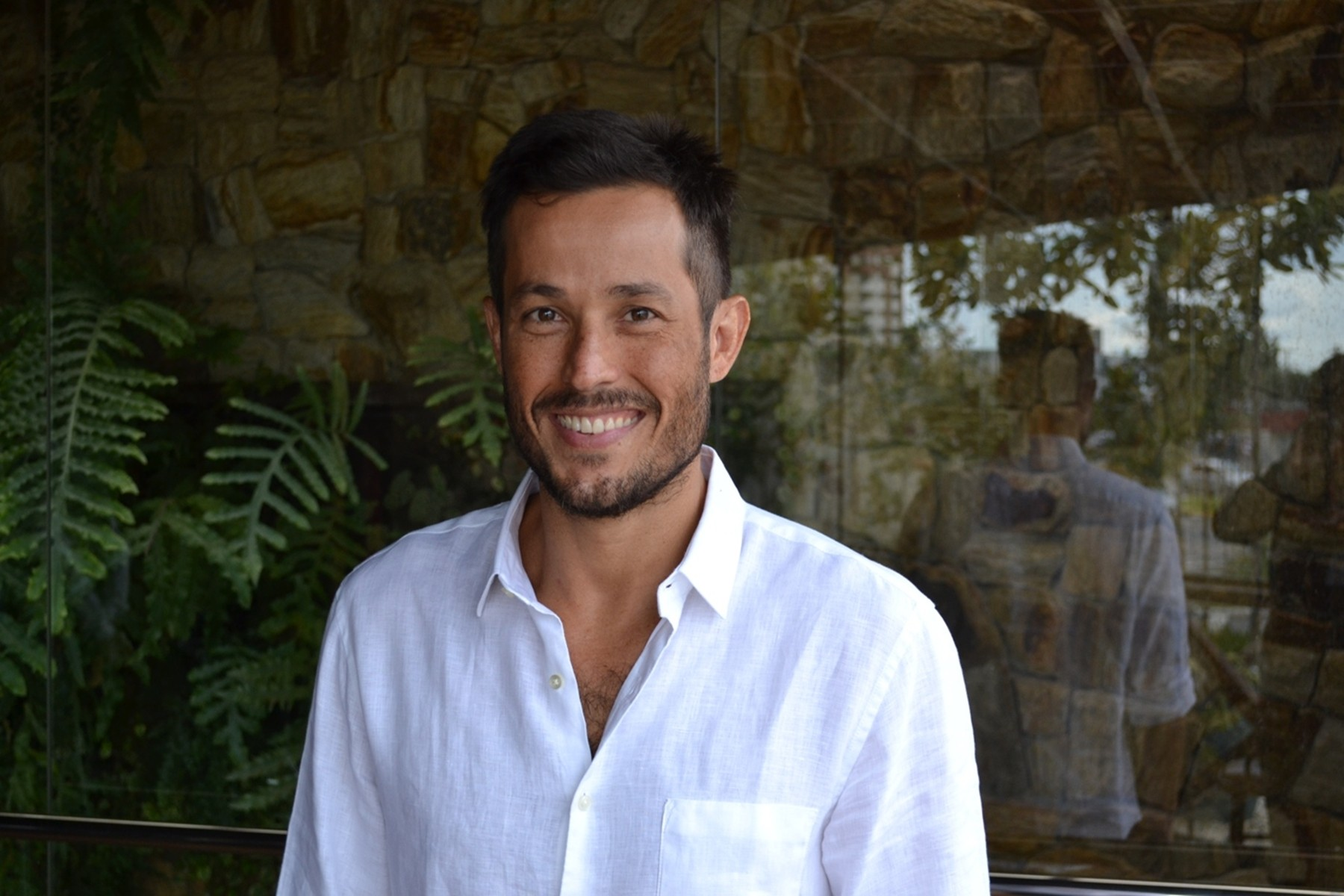 """Roger Gobeth e Gustavo Leão serão irmãos na novela """"O Rico e Lázaro"""""""