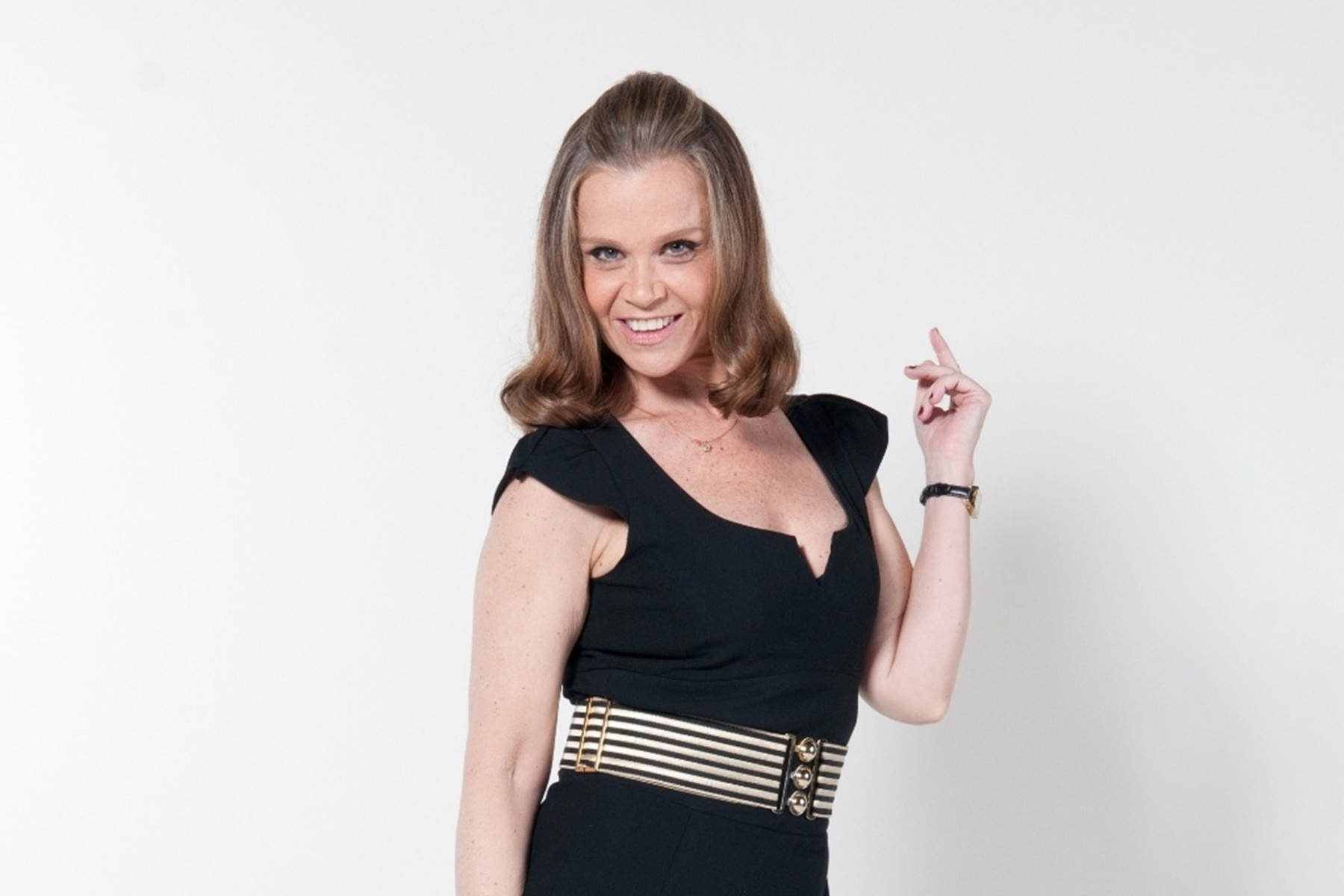 "Ana Zettel será serva de Christine Fernandes na novela ""O Rico e Lázaro"""